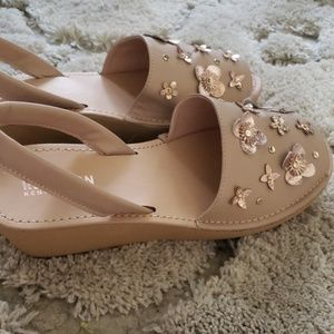 Reaction Kenneth Cole Wedge Sandals NWOT